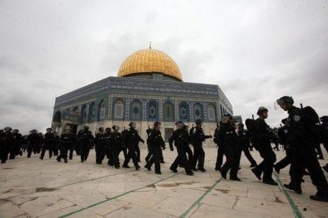 """""""اليونسكو"""" تطالب """"إسرائيل"""" بوقف انتهاكاتها في القدس"""