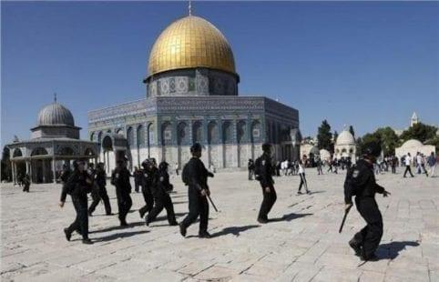 الرئيس عباس يصدر تعليمات بالتحرك الفوري للتصدي لعدوان الاحتلال على الأقصى