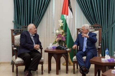 معولا على (إسرائيل).. عباس يتمنى فشل محاولة إجراء انتخابات القدس