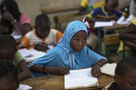 في اليوم الدولي للتعليم.. 800 مليون أُمي حول العالم