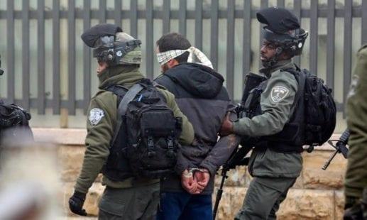 انتهاكات الاحتلال: بدء حملة الاعتقالات في الضفة.. ومستوطنون يقتحمون الأقصى