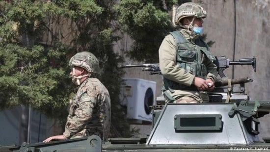 الأردن: الأمن يحتجز المئات لاختراق نظام حظر التجوال تمهيدا لحبسهم