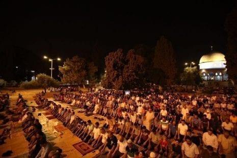 الهباش: صلاة التراويح في شهر رمضان ستؤدى في البيوت