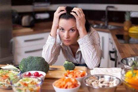 قائمة بأطعمة تحسّن من الصحة العقلية والنفسية