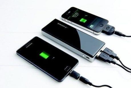 الأخطاء الشائعة التي يجب أن تجنبها عند شحن هواتفنا المحمولة