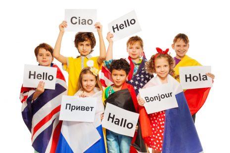ثمانية تطبيقات مفيدة لتعليم طفلك لغة أخرى.. تعرّف عليها