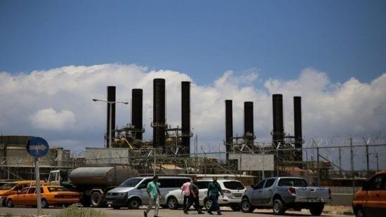 87% من الأسر بقطاع غزة تعاني من انقطاع الكهرباء يومياً