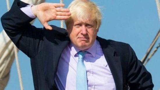 رئيس الوزراء البريطاني يفكر بالاستقالة بسبب راتبه المنخفض