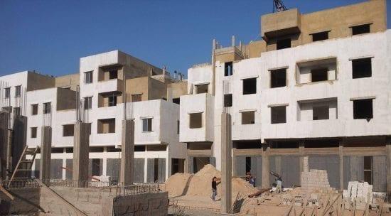 الأونروا بغزة توقع عقد لبناء شقق سكنية لصالح لاجئين من دير البلح