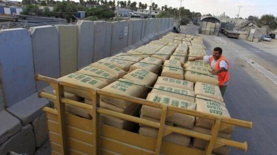 العصار لمصدر: موافقة إسرائيلية على دخول الإسمنت والحصمة خارج آلية GRM