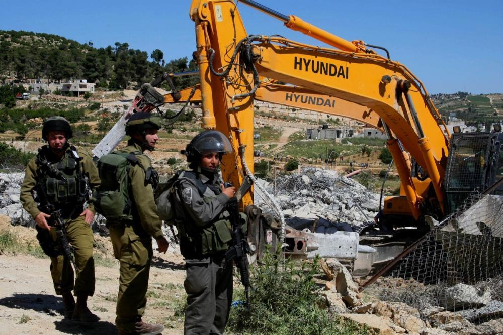 اعتقالات وهدم منشآت.. الاحتلال يشرع بسلسلة الانتهاكات اليومية بالضفة والداخل