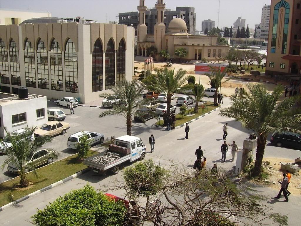 الصحة بغزة تشترط على الجامعات عدم بدء الفصل إلا للطلبة المطعمين