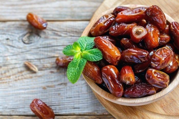 فوائد التمر الصحية في رمضان…دواء وإعجاز