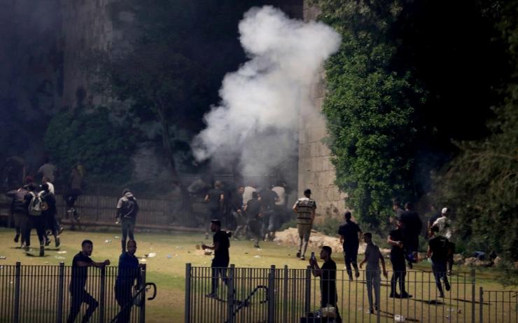 إصابات واعتقالات في مواجهات مع الاحتلال شرق القدس