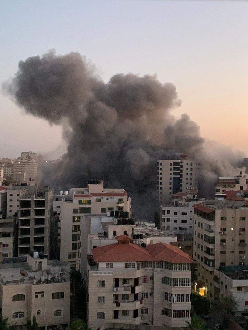 طيار إسرائيلي يكشف تفاصيل عن سبب قصف الأبراج بالعدوان على غزة