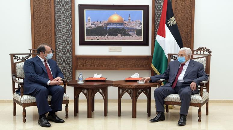 عباس يلتقي برئيس المخابرات المصرية في رام الله