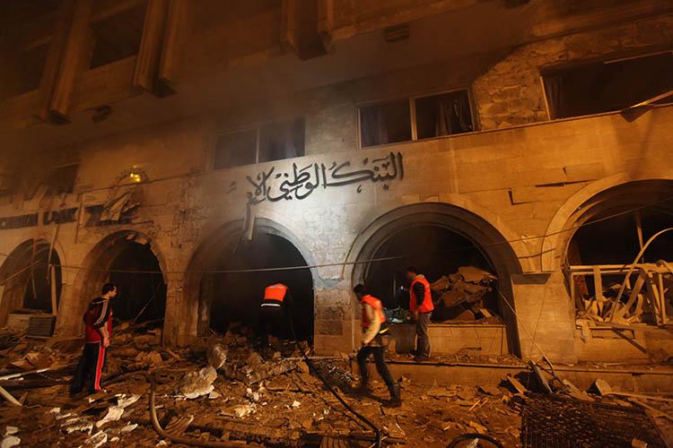 الاحتلال يدمر ثلاث بنوك لحماس في غزة خلال 24 ساعة