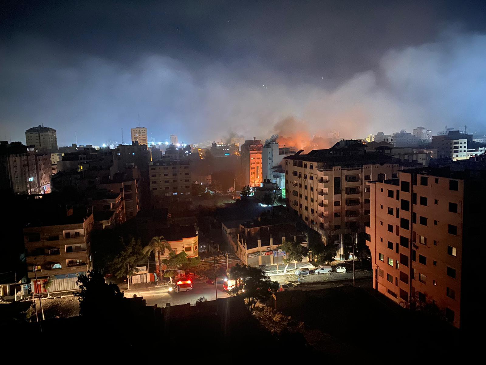 5 شهداء في قصف للاحتلال على شمال وجنوب غزة