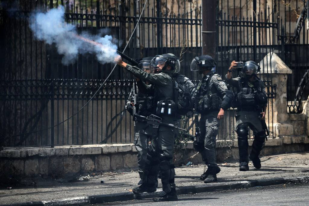 مواجهات مع الاحتلال على حاجز الجلمة واستمرار تفتيش البلدات في جنين