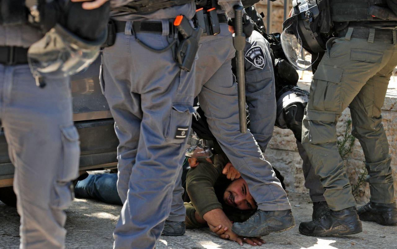 أحداث القدس.. عشرات الإصابات في صفوف المتصديين لمسيرة الأعلام