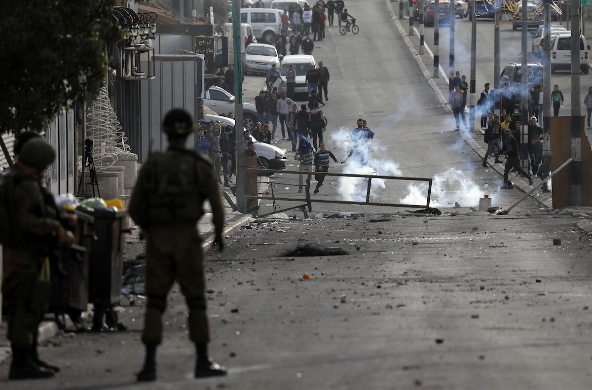 إصابة شابان برصاص الاحتلال خلال مواجهات ببلدة بيتا