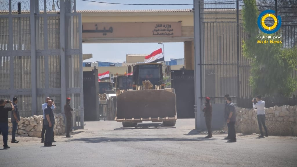 معدات مصرية لقطاع غزة