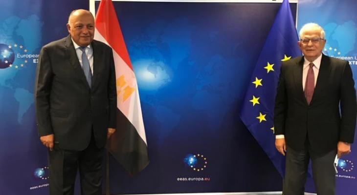 وزير الخارجية المصري يبحث إعمار غزة مع مفوض الاتحاد الأوروبي