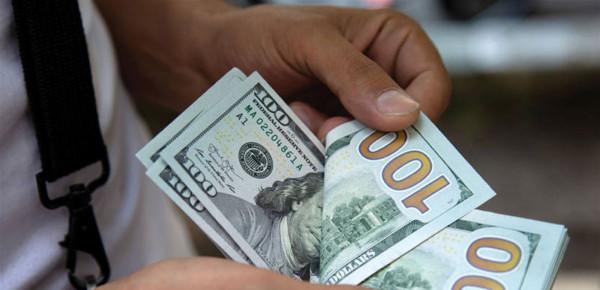 الأعرج لمصدر: سلمنا المالية مطالب وتصور لإعادة صرف إرجاعات مقاولي غزة