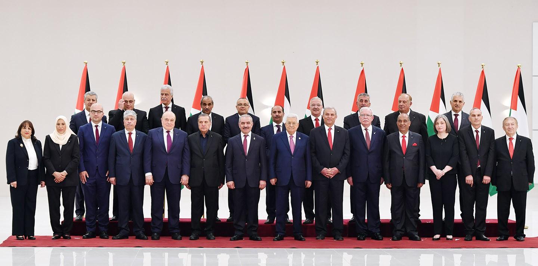 الجاغوب يعلن أسماء الوزراء الجدد بالحكومة الفلسطينية وموعد حلف اليمين