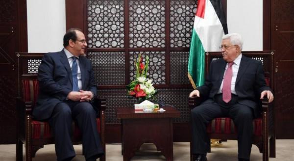مصر طلبت من الرئيس عباس تشكيل حكومة جديدة لإحياء السلام والإعمار