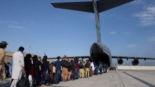قتلى في انفجار وقع بمحيط مطار كابل في العاصمة الأفغانية