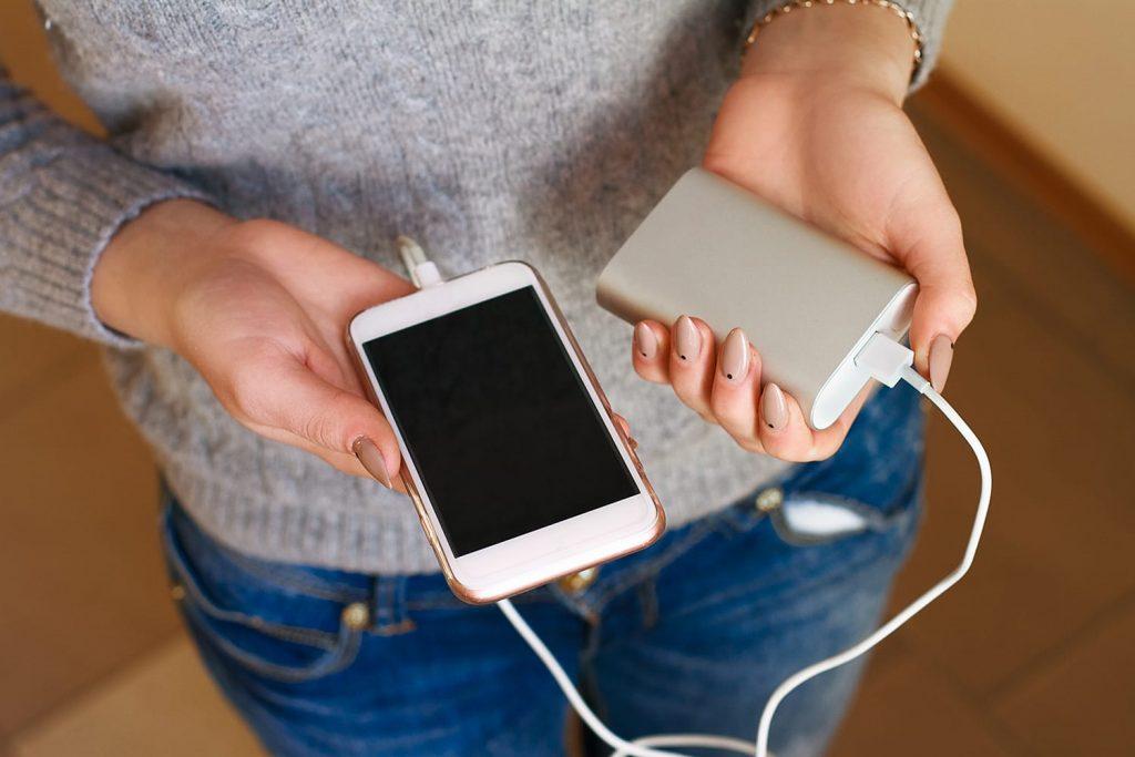كيف تختار باور بنك مناسب لشحن هاتفك؟