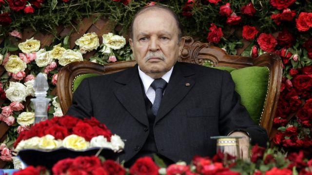 الرئيس الفلسطيني يعزي نظيره الجزائري بوفاة بوتفليقة