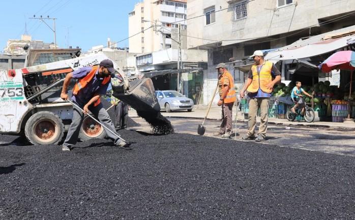 سرحان لمصدر: الشروع بإصلاح التقاطعات الرئيسية بغزة من المنحة القطرية