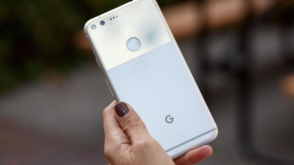 كيف دخلت جوجل على خط سامسونغ وهواوي؟
