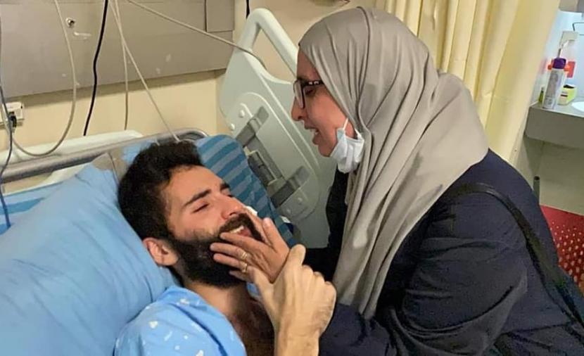 """الداخل المحتل: وقفة دعم للأسير مقداد قواسمة امام مشفى """"كابلان"""""""